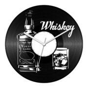 Whiskey bakelit óra