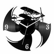 Az öreg kétfedelű bakelit óra
