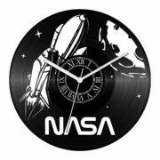 Űrsikló bakelit óra