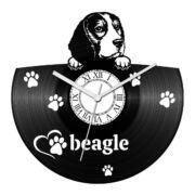 Beagle bakelit óra