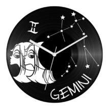 Vicces Ikrek csillagjegyes bakelit óra