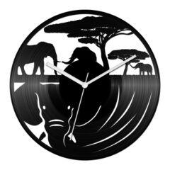 Elefántos bakelit óra