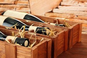 Zenés bortartó doboz