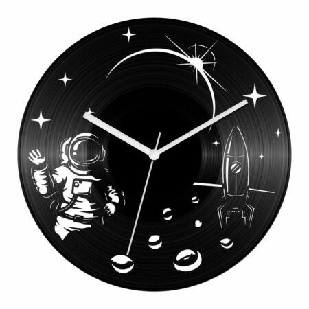 Asztronauta bakelit óra