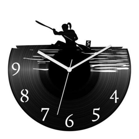 Női kajakos bakelit óra számokkal