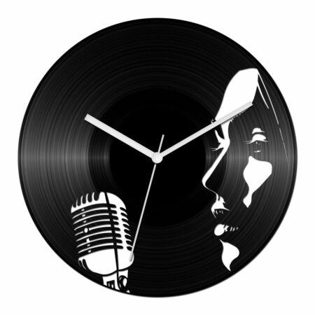 Női énekes bakelit óra